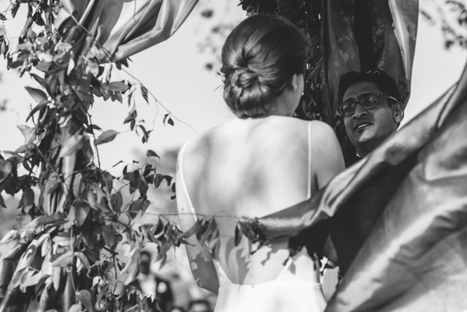 emotion-groom-wedding-intimate-moment