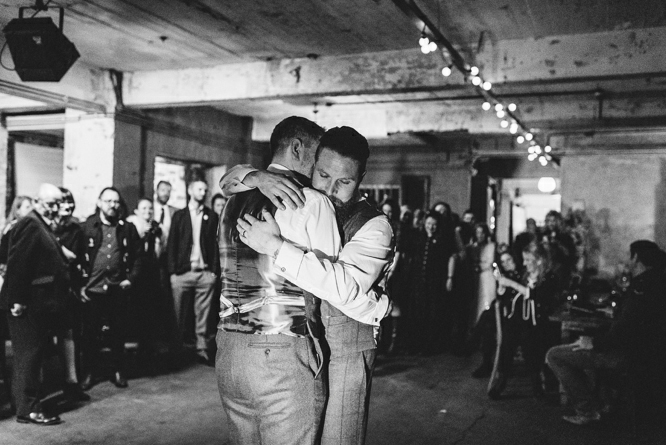first-dance-wedding-one-friendly-place