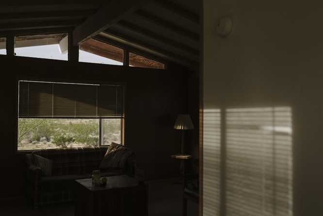 cabin-wood-desert-joshua-tree