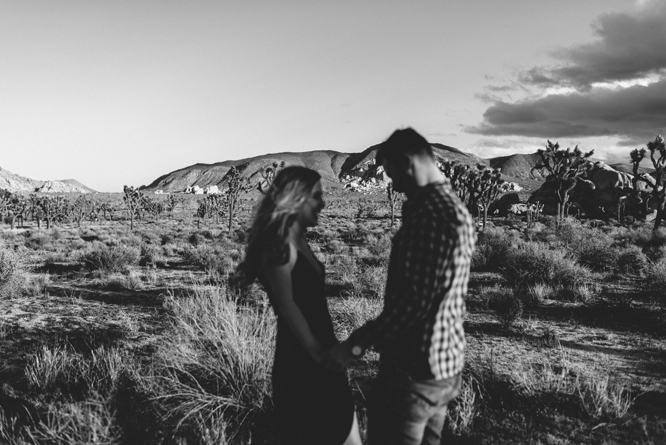 couple-desert-sunset-joshua-tree