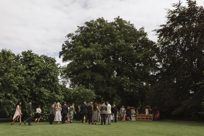 guests-wedding-barnsley-house-cirencester